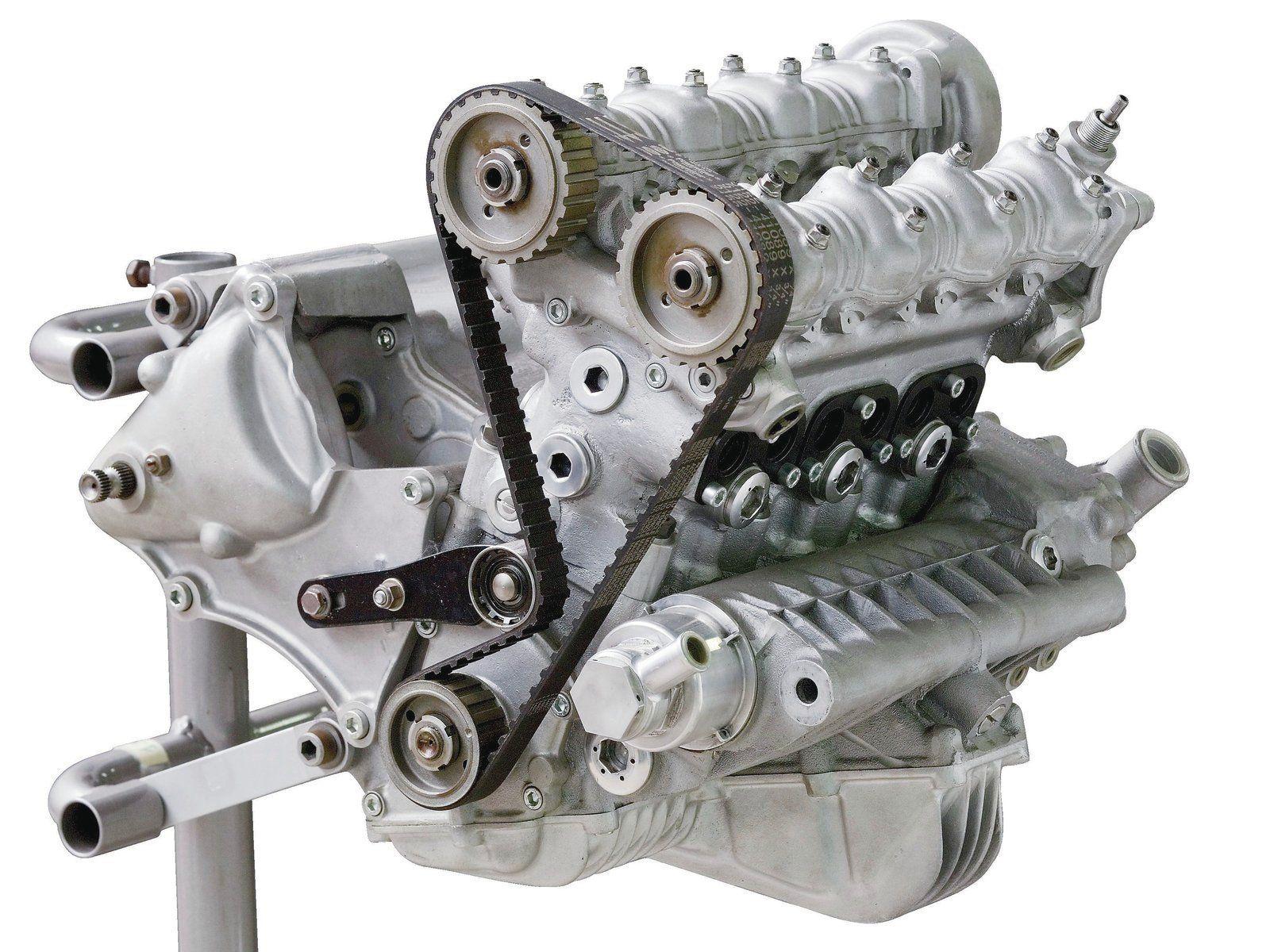 DUCATI 曾委託他人設計一具直列三缸引擎,準備以此重返賽車場