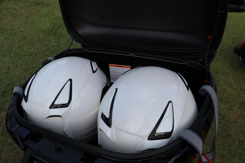 但55L的容量可以放下兩頂3/4的安全帽不是問題