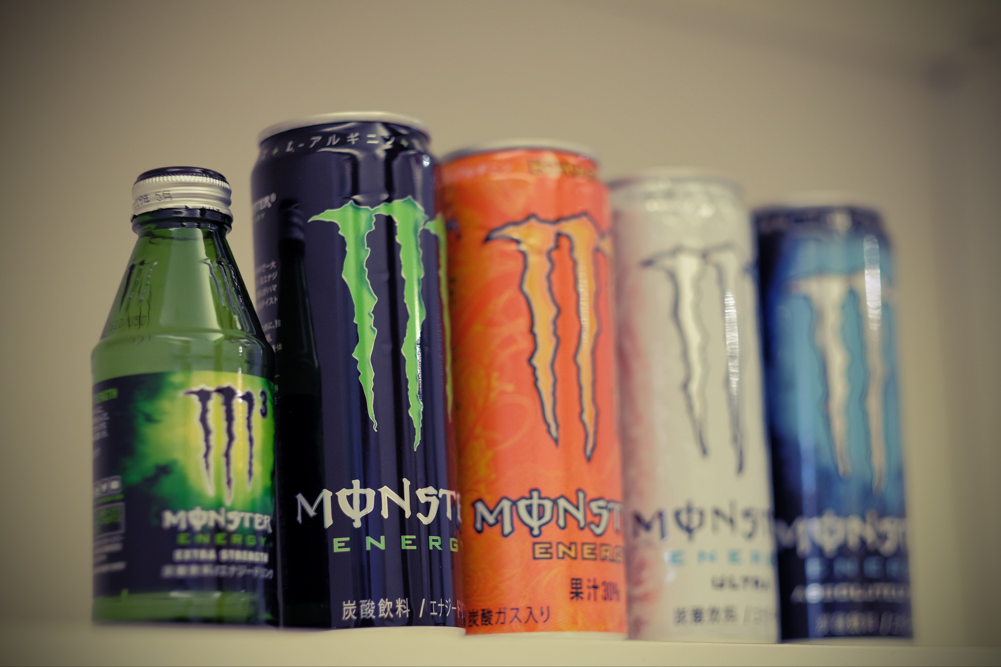 在國外其實有非常多Monster可以選擇,台灣初期只引進最基本的黑色