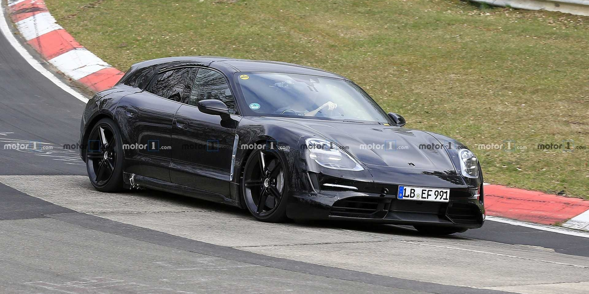 Porsche Taycan Cross Turismo測試中!2020正式發表!