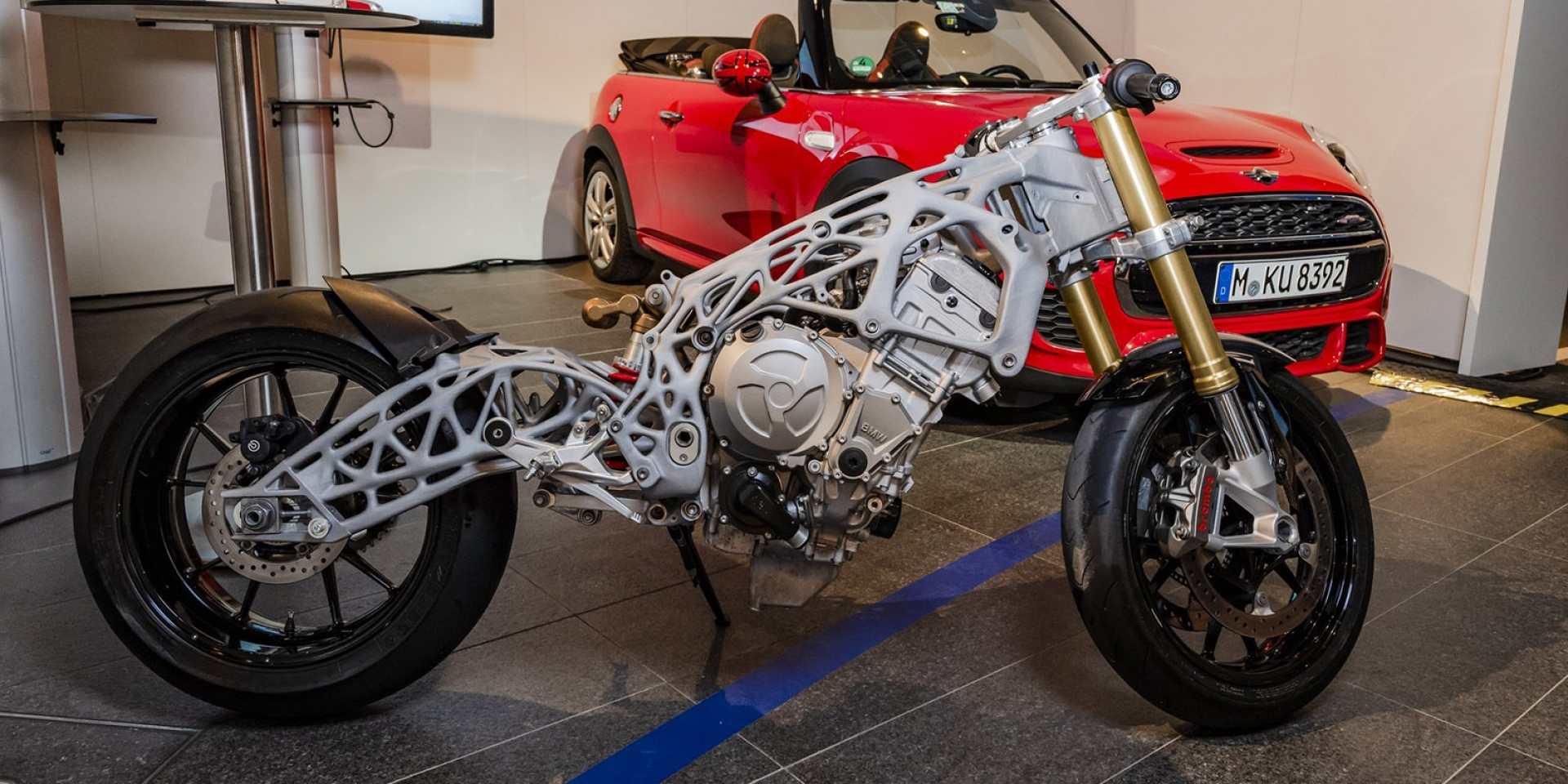 3D列印正夯,BMW展出列印S1000RR車架