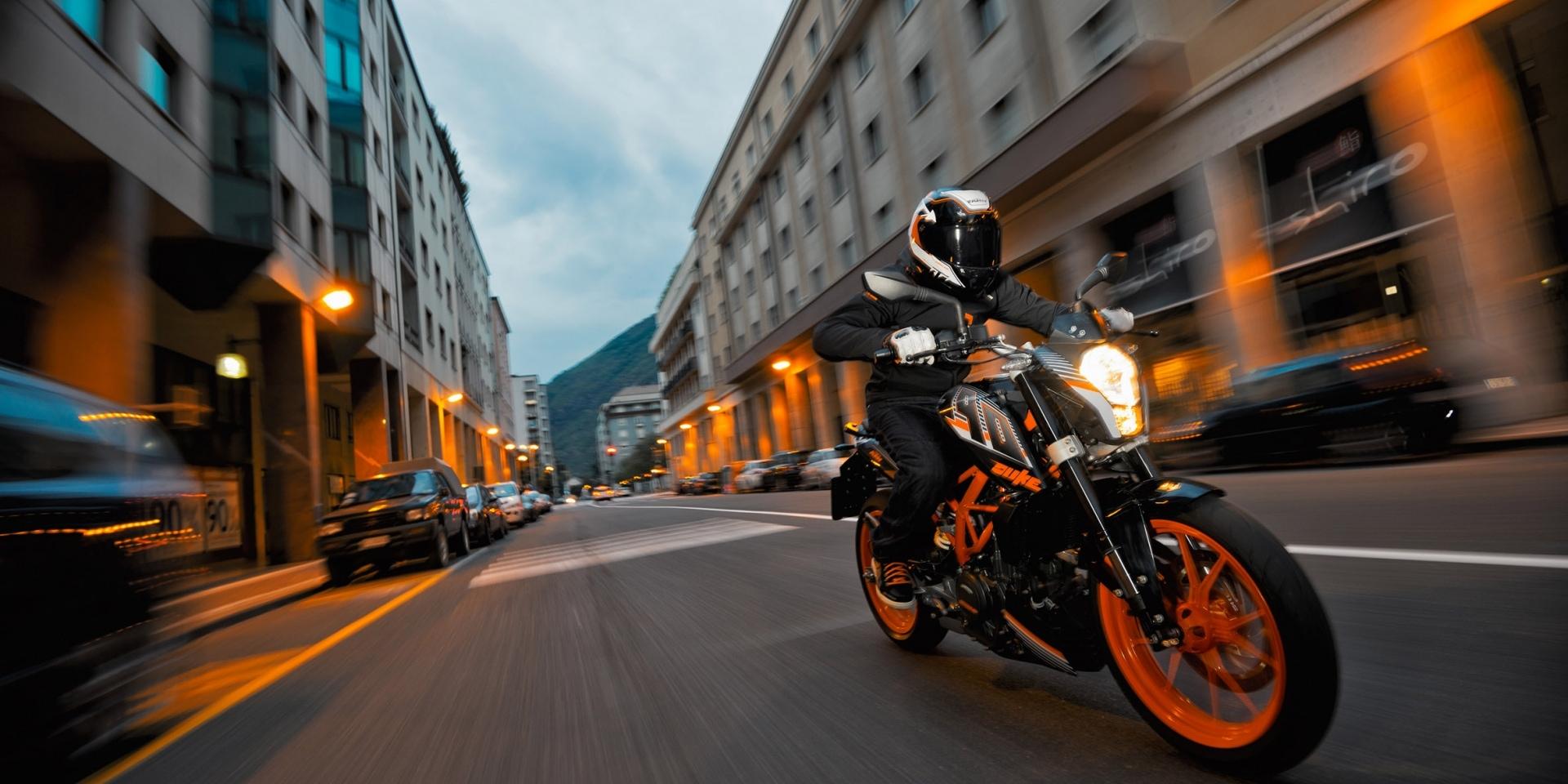 官方新聞稿。KTM 390 Duke改裝升級降價推出