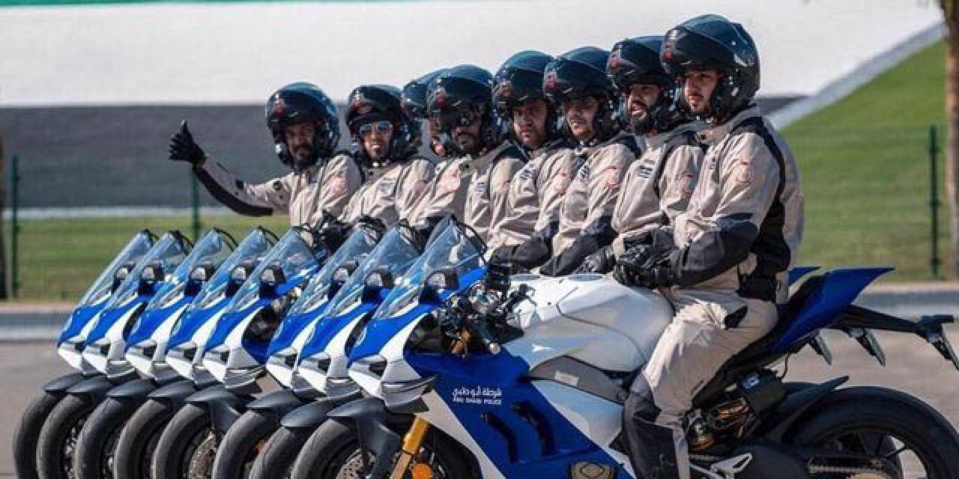全球最殺警用機車!阿布達比警察的DUCATI Panigale V4R警車