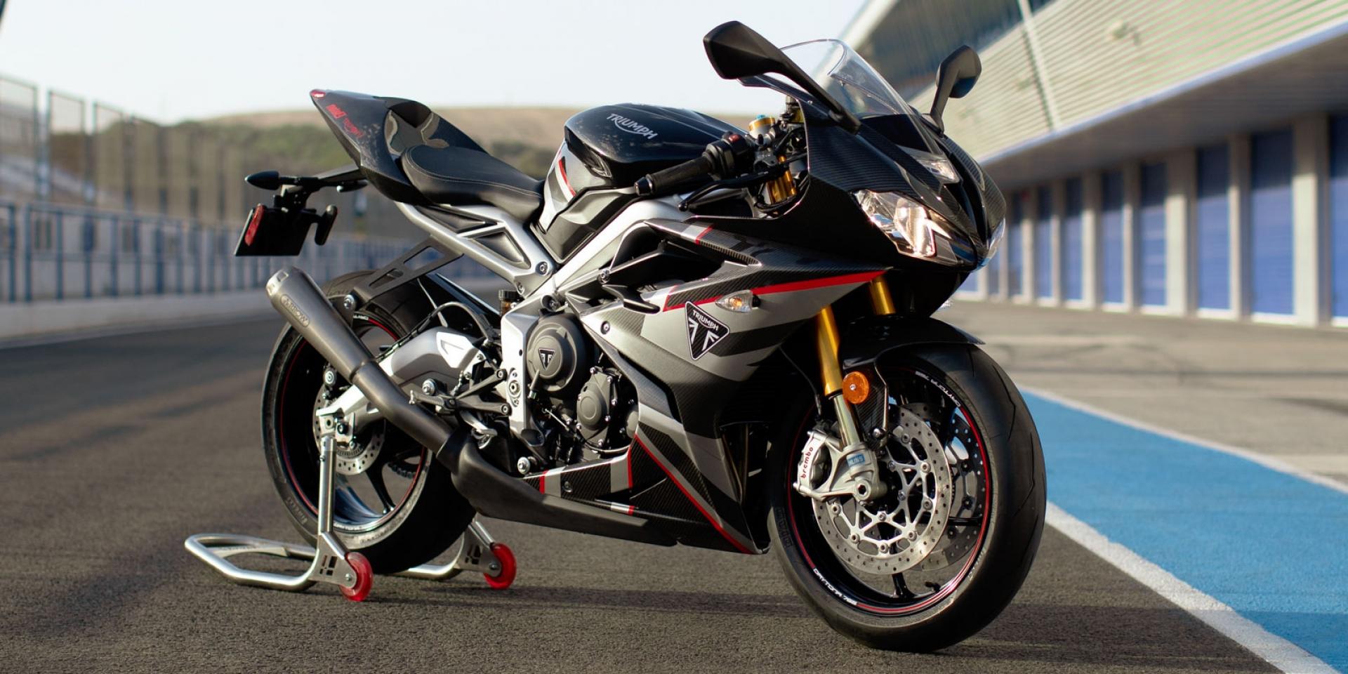 台灣凱旋總代理 安東貿易客訂導入Daytona Moto2 765 Limited Edition,Street Triple R預購活動享53.8萬 贈精品