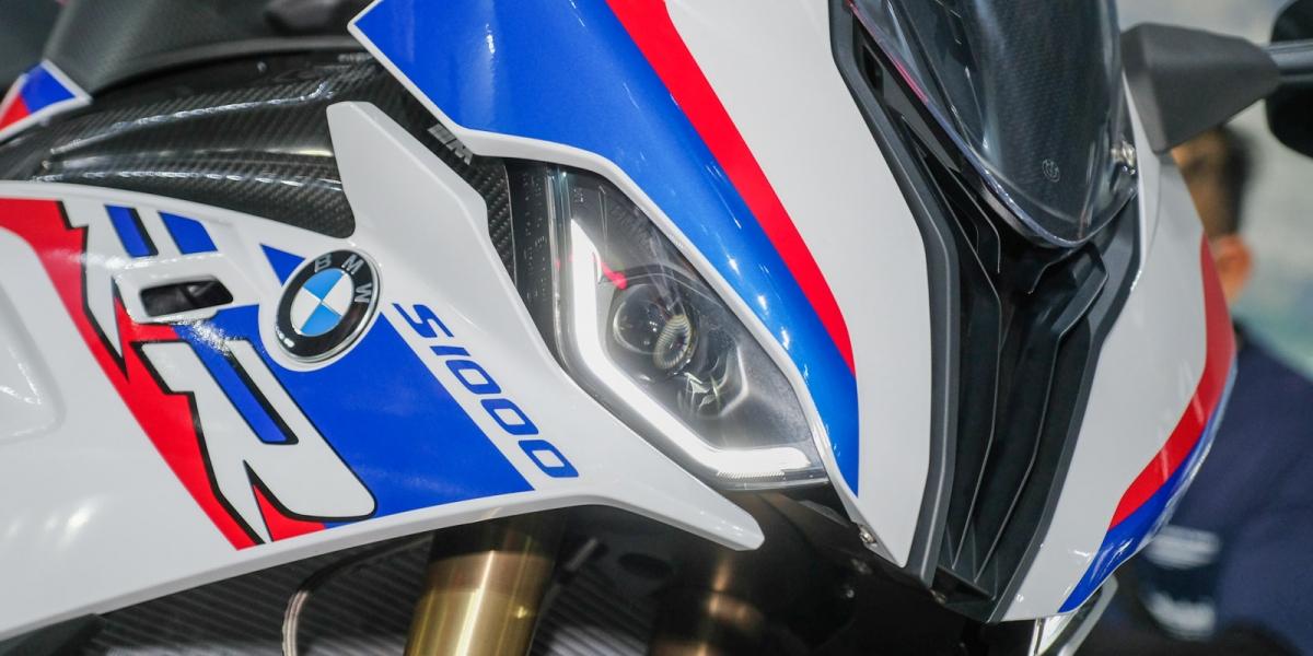 126.9萬元賽道武器,BMW S 1000 RR正式在台上市,S 1000 XR同步引進
