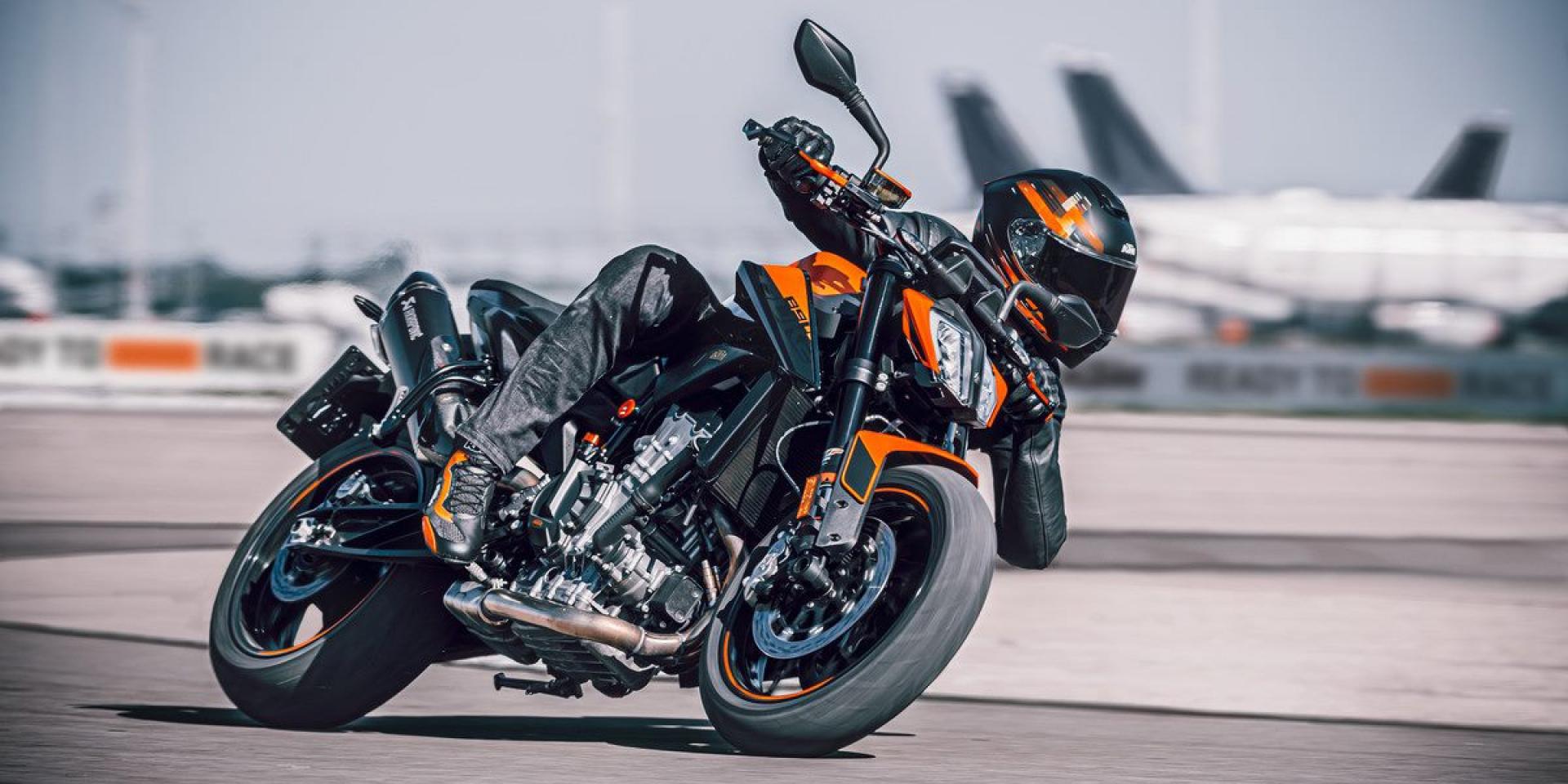 排量升級、性能精進!2021 KTM 890 DUKE 海外發表