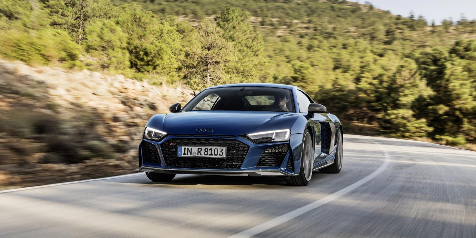 官方新聞稿。強悍動力入注 更驃悍外型更臻火辣 四環小改款高性能超跑旗艦 Audi R8 耀眼登場