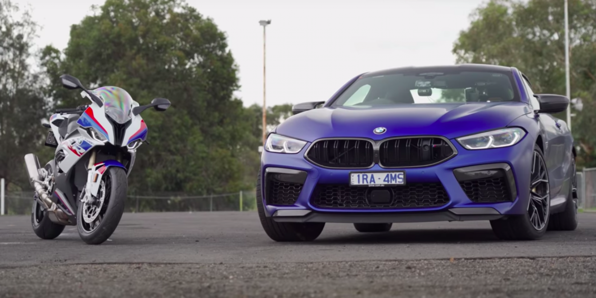 BMW最快的對決!M8 Competition與S1000RR直線比拼!
