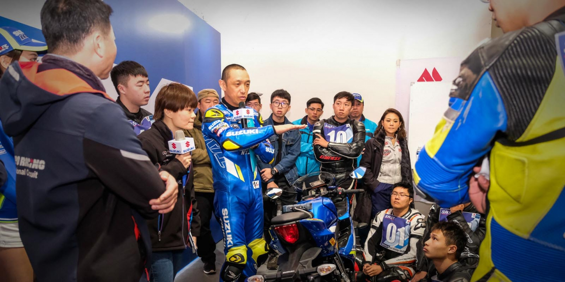 MotoGP等級車手教你騎車!青木宣篤SUZUKI Racing Camp ,細心指導讓你更快