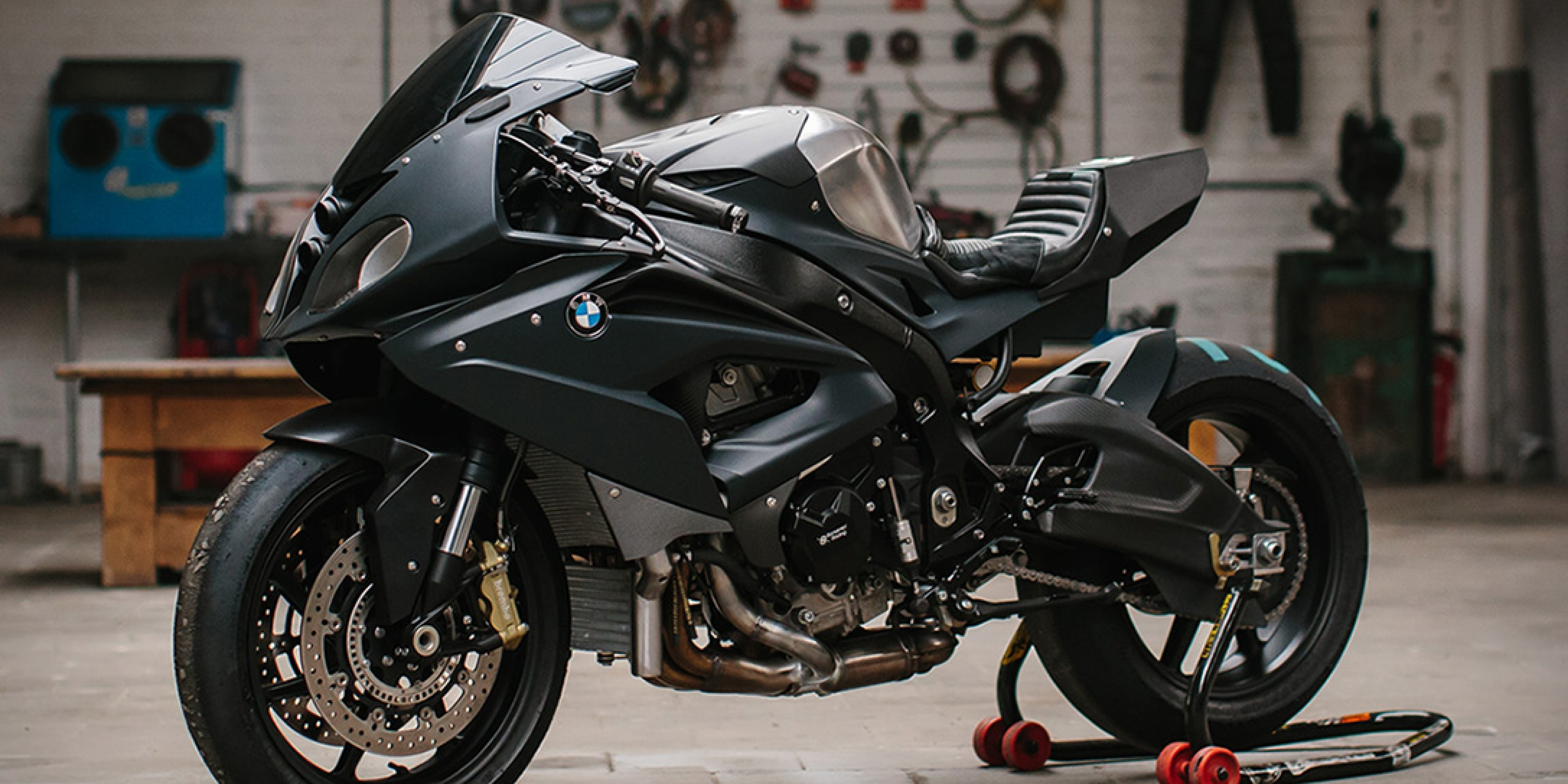 挑戰300匹馬力!BMW S 1000RR TURBO