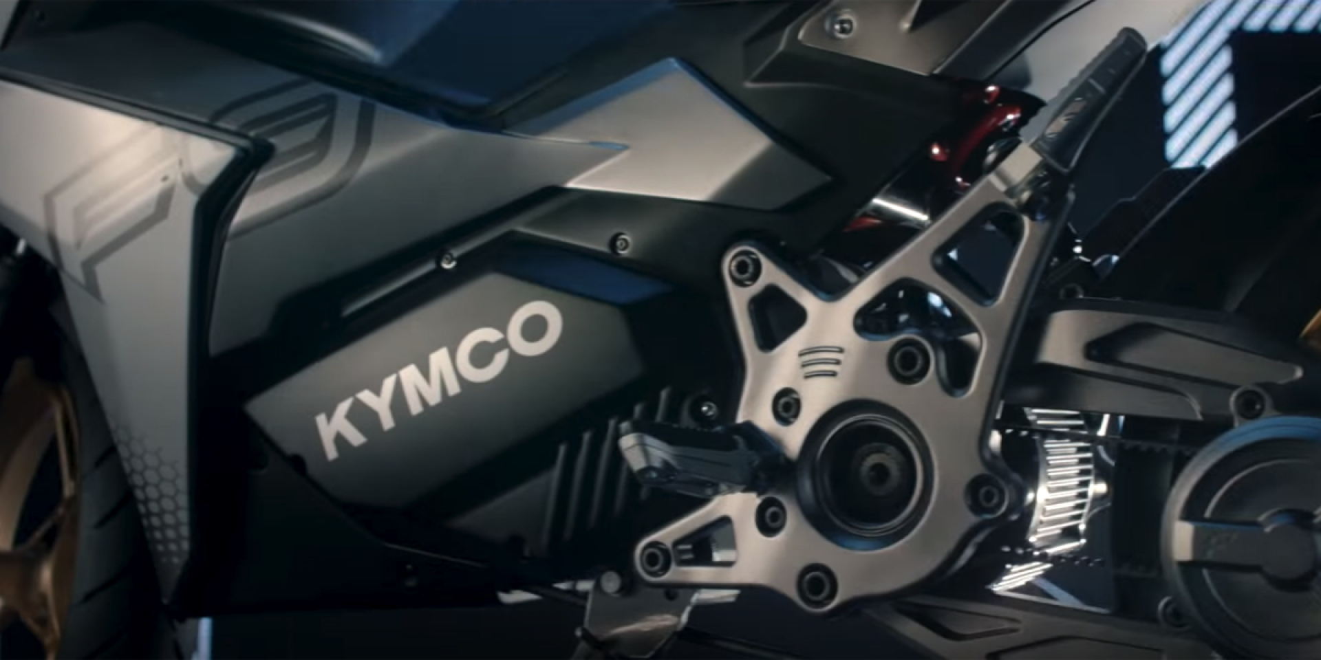 龍骨車架、皮帶傳動、雙電池、12吋胎。KYMCO「全新電動車」預告現身!