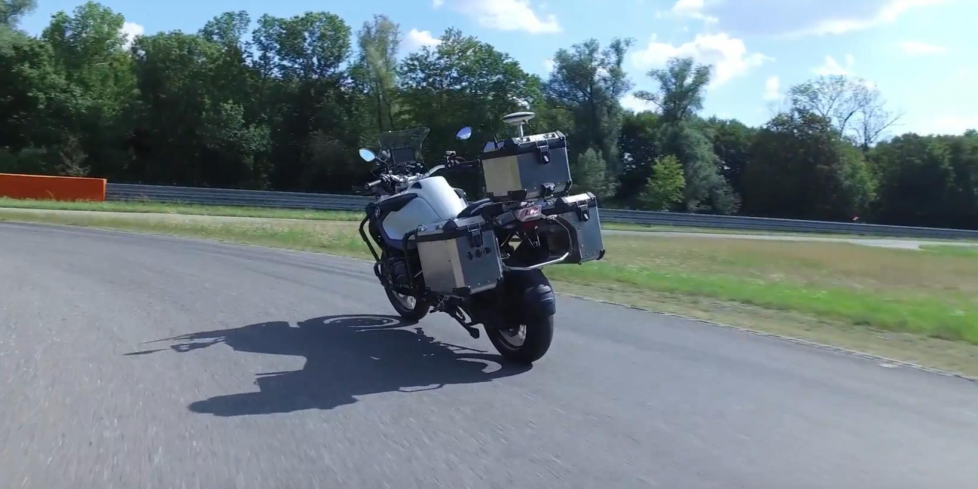 巴伐利亞黑科技!BMW揭露超驚人的駕駛輔助系統