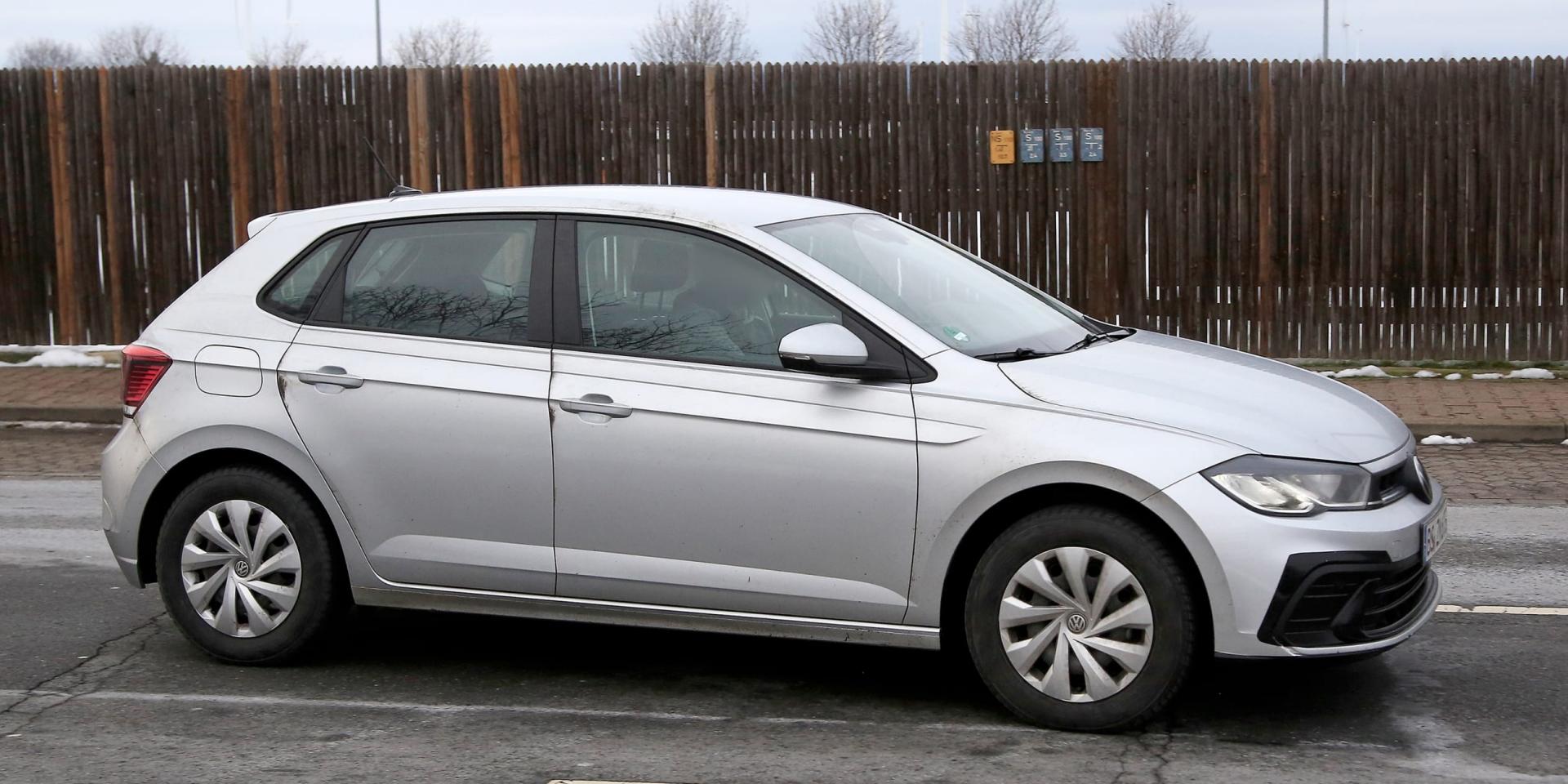 Volkswagen Polo小改款測試車現蹤!小老弟也要「Golf」化!