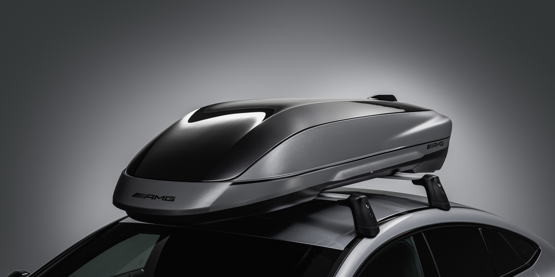 M-Benz AMG推出原廠車頂箱,增加410公升置物容積