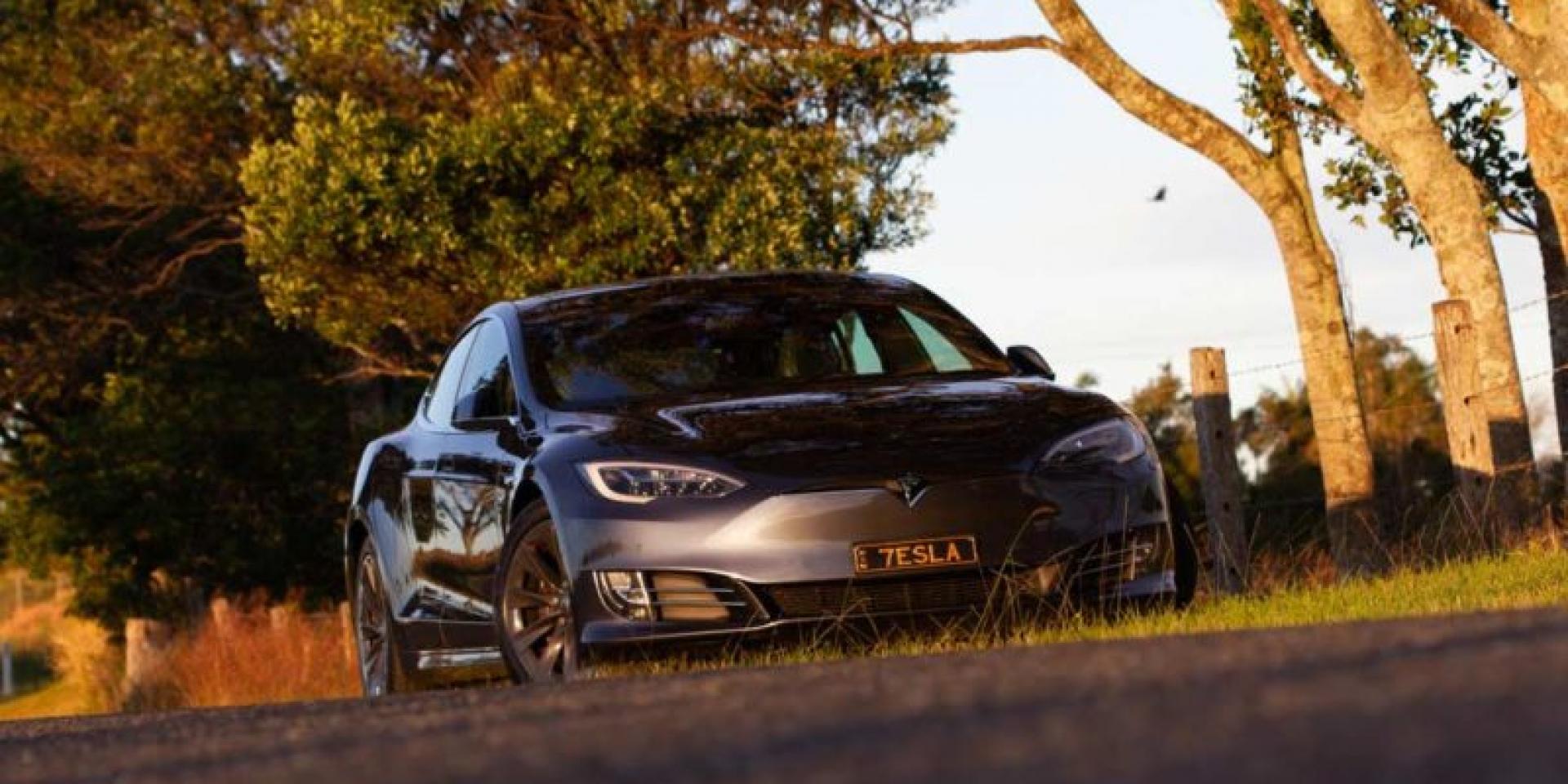 Tesla Model S跑40萬公里還是同一套煞車皮 全部保養費用不超過五千美金!