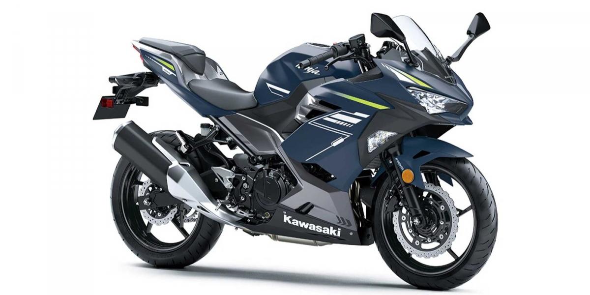 低調時尚新色!Kawasaki Ninja 400 暮光藍、深灰色亮相