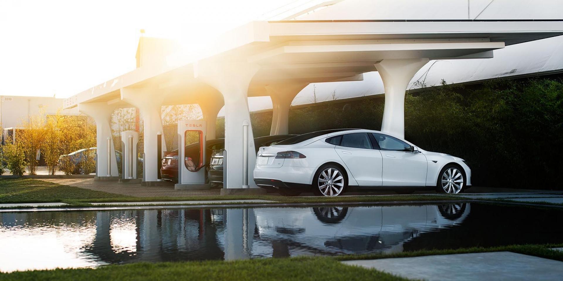 官方新聞稿。Tesla 即將於 10 月 15 日開始收取超級充電費 熱門三站點優先實施尖離峰差別定價
