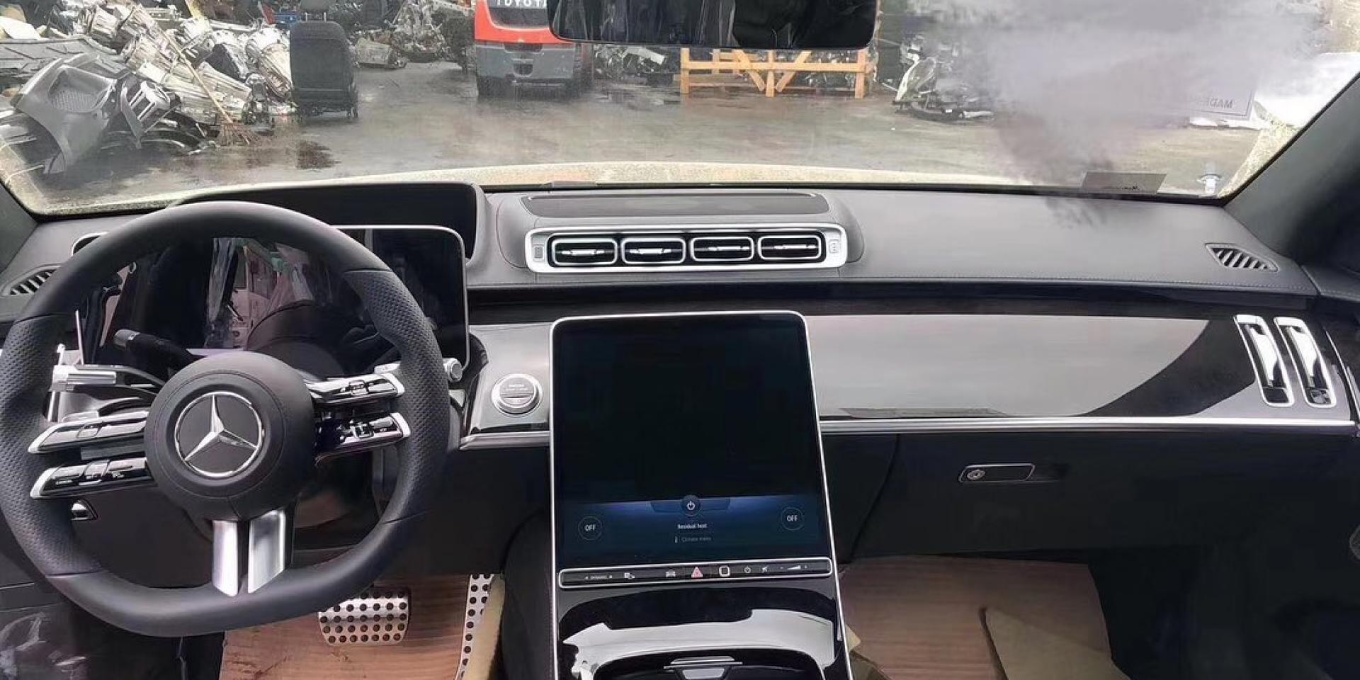 最新Mercedes-Benz S-Class照片流出!內裝風格大變!