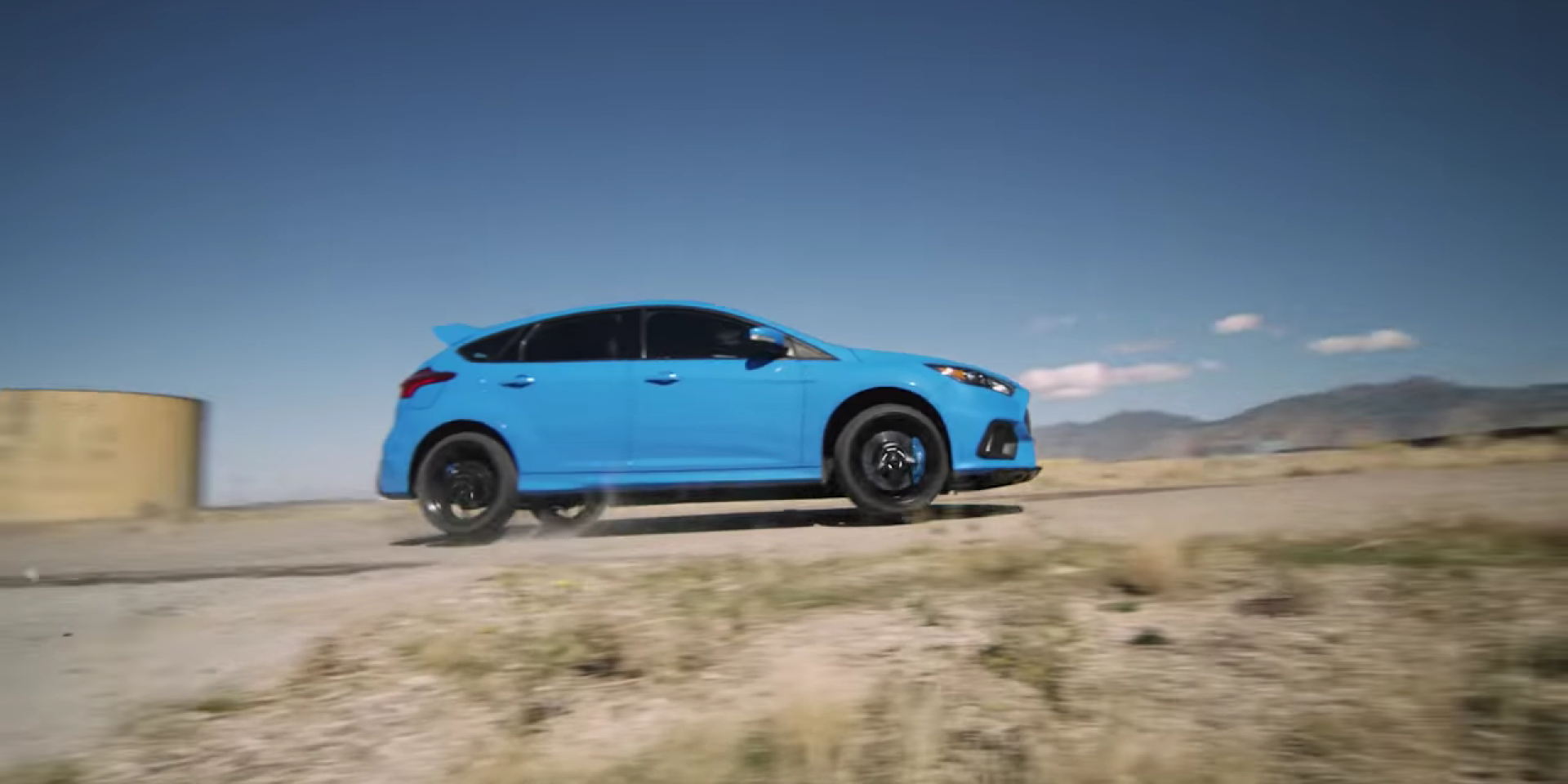 甩的你嫑嫑的,Ford Focus RS專用甩尾手煞車輕鬆甩尾