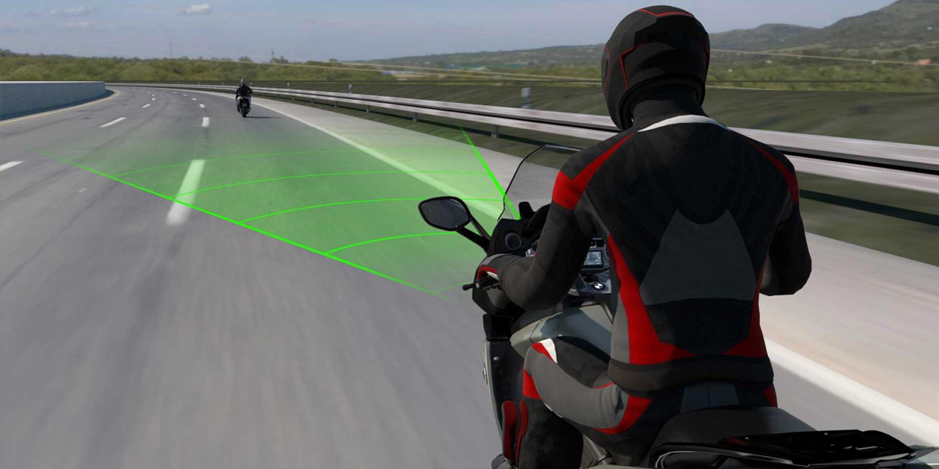輕鬆享受沿途美景。BMW Motorrad預告導入ACC系統!