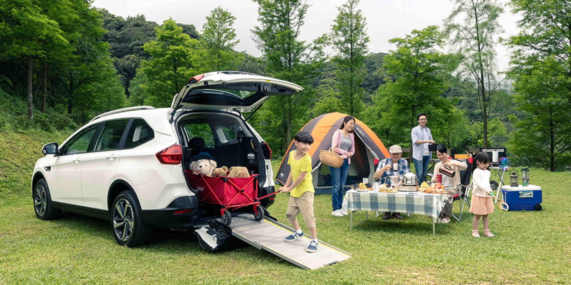 官方新聞稿。LUXGEN URX 5+1樂活款,一車多用SUV首選,早鳥優惠價84.8萬起