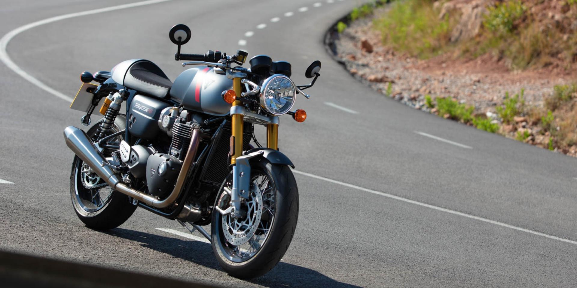 官方新聞稿。純正血統的Cafe' Racer,復古跑格Thruxton RS再進化,81.8萬正式開售