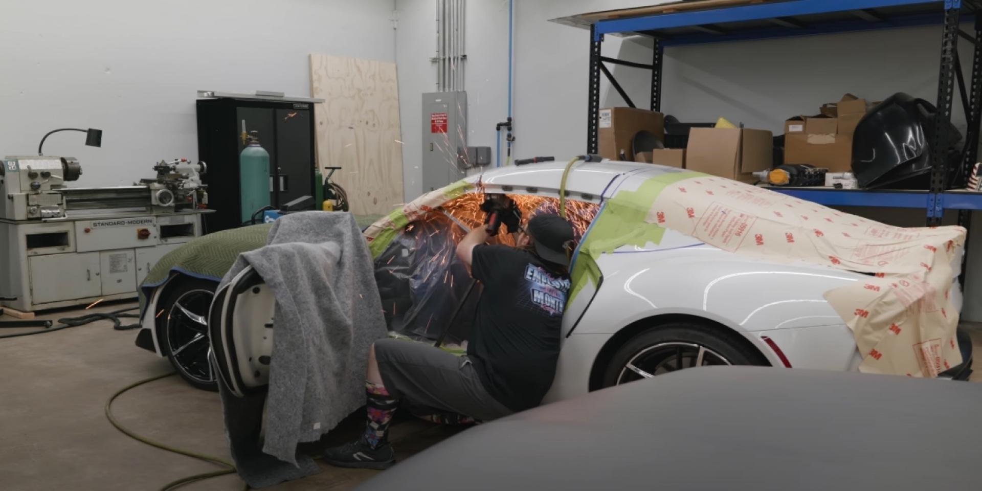 還在切寬體潤輪弧?人家在切車頂啦! GR Supra 開發進入第二階段。