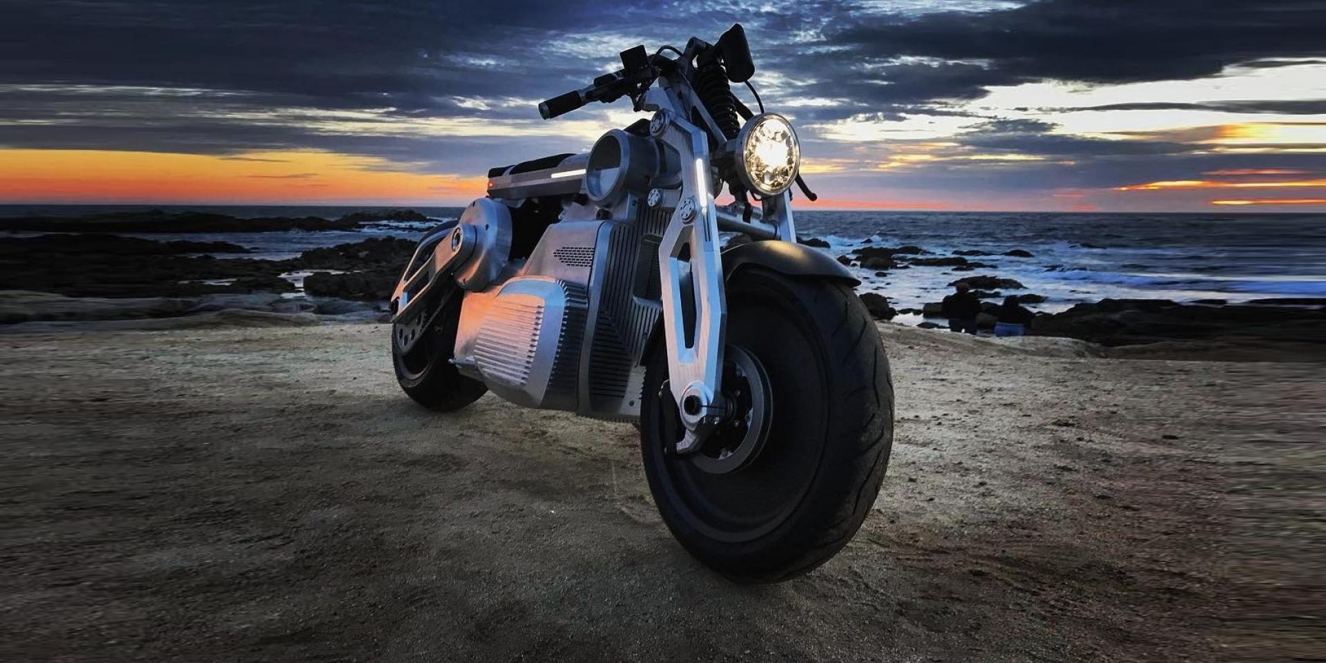 E-TWIN長這樣,電動雙缸Curtiss Motorcycles ZEUS