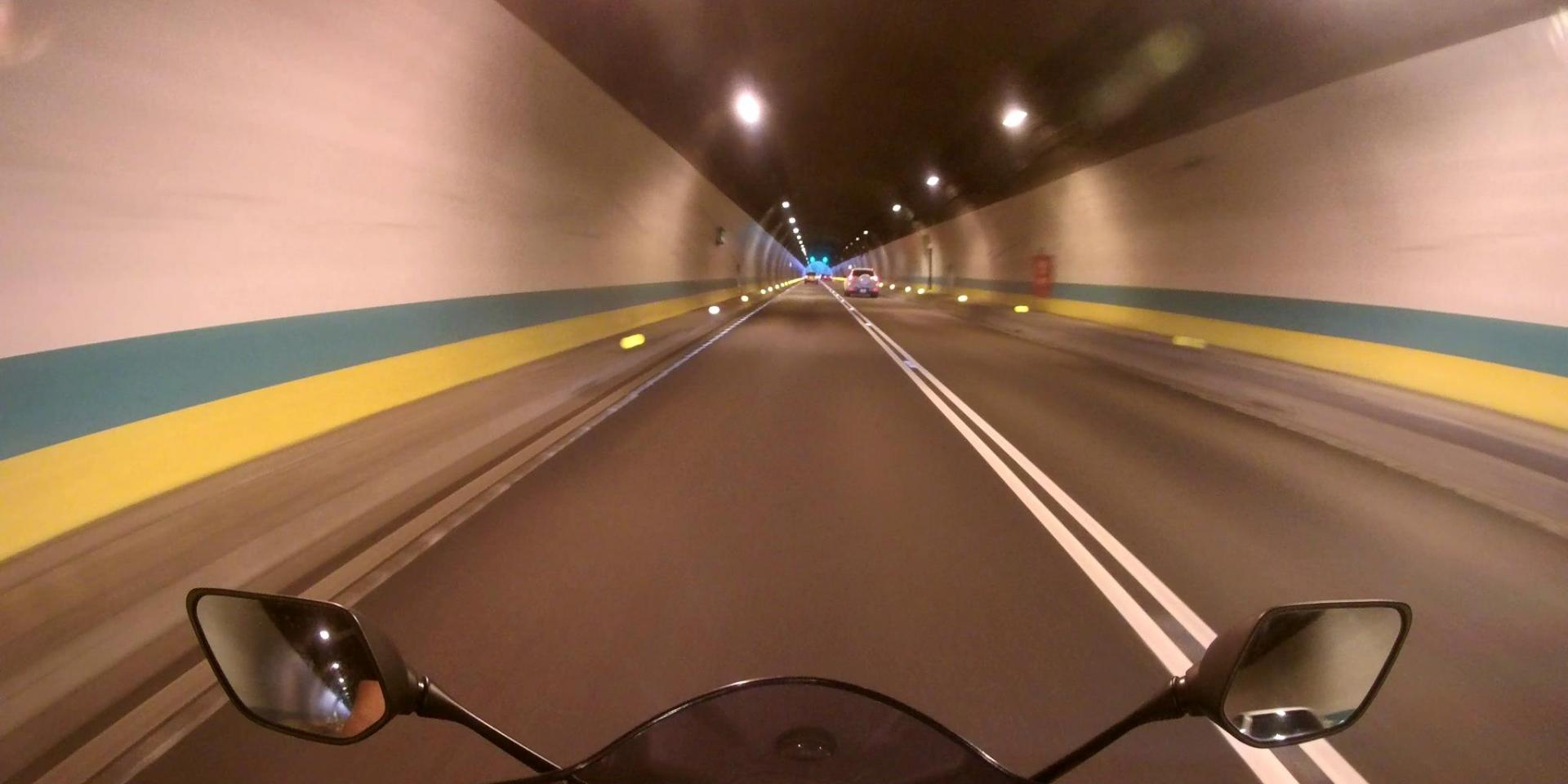 有路權,也要有觀念!如何安全地在國道與快速道路上騎乘摩托車?
