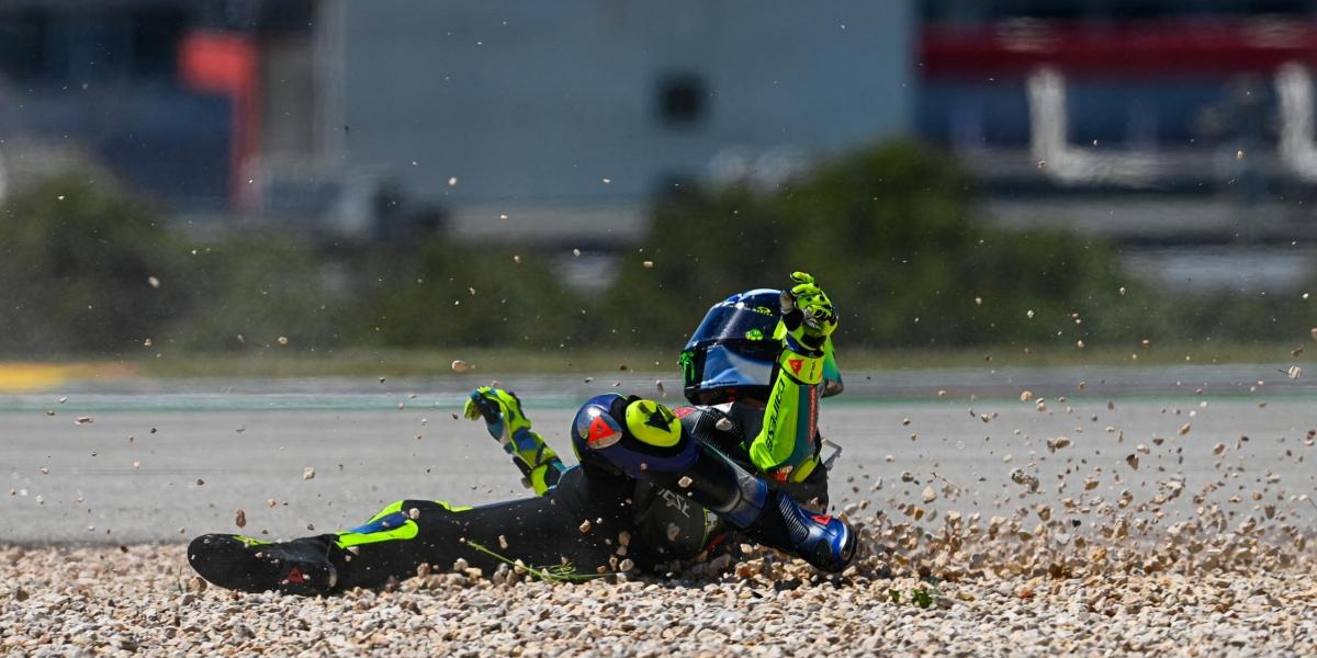 摔車後依然微笑?Valentino Rossi:至少這一站賽車的感覺更好了!