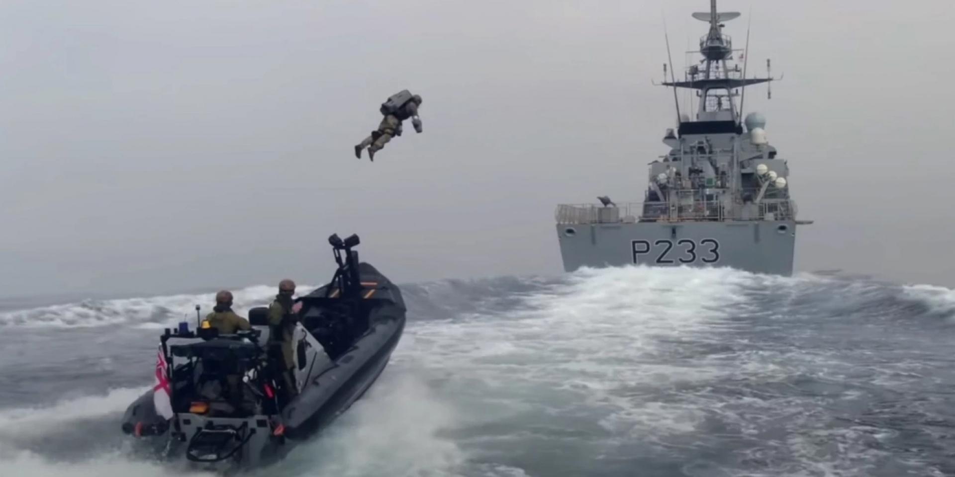 鋼鐵人降臨?英國海軍陸戰隊噴射飛行服登艦實測曝光!