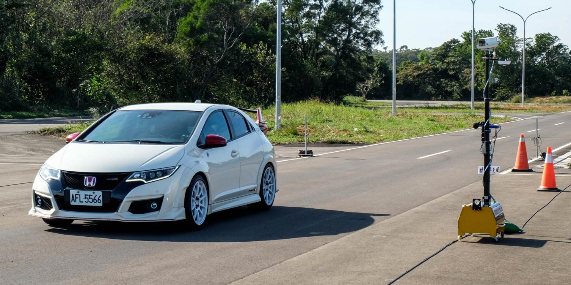 噪音科技執法明年元旦上路,現場實測「改裝車不等於噪音車,全原廠不代表不超標」