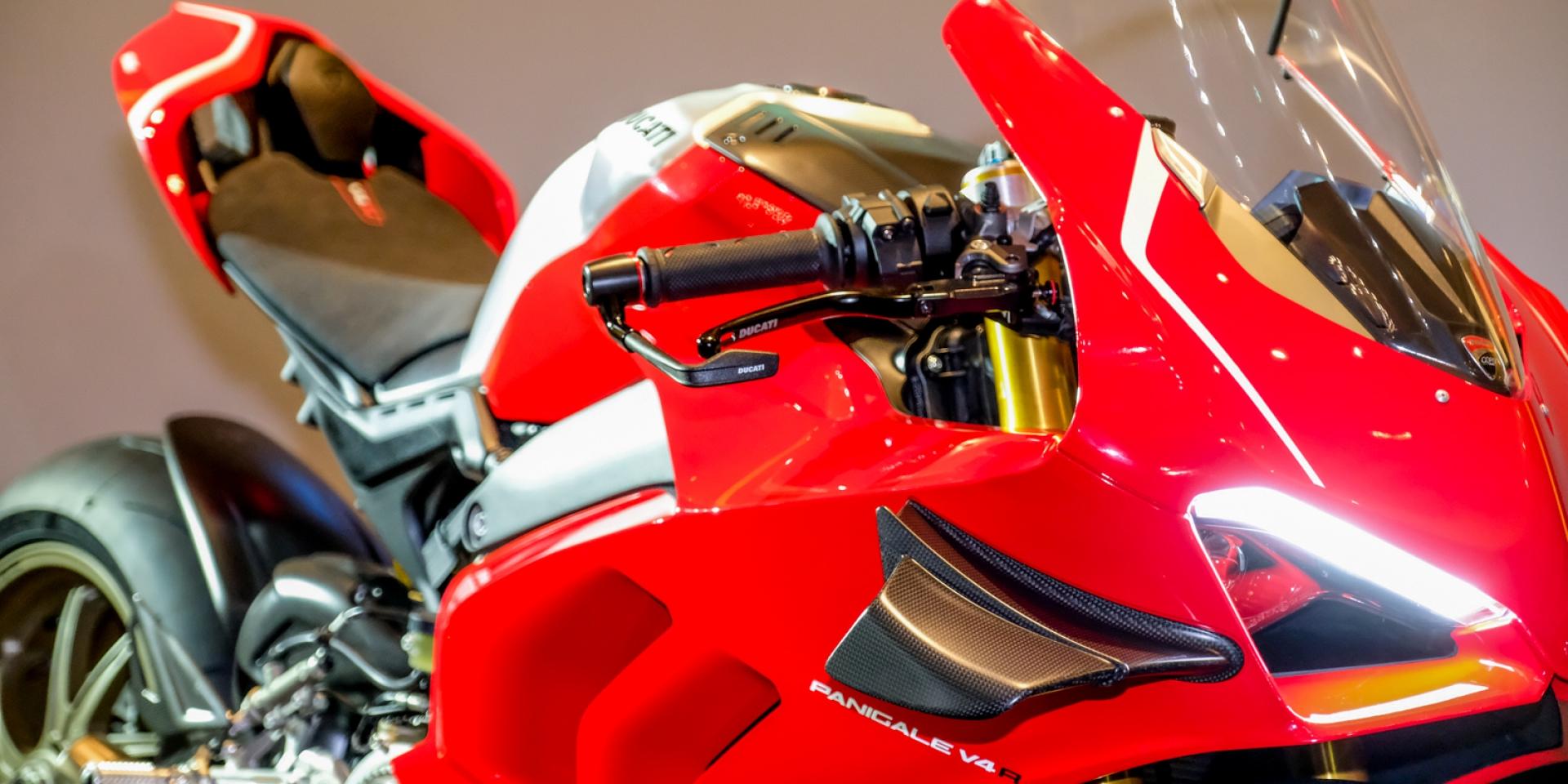 售價超過200萬 來自MotoGP的賽道結晶!Ducati Panigale V4 R交車記者會