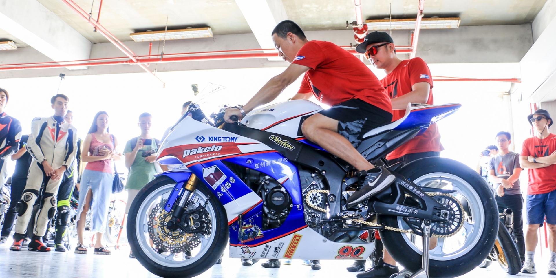 分解關卡小班教學,騎乘技巧更上層樓。PIC超級摩托車訓練營