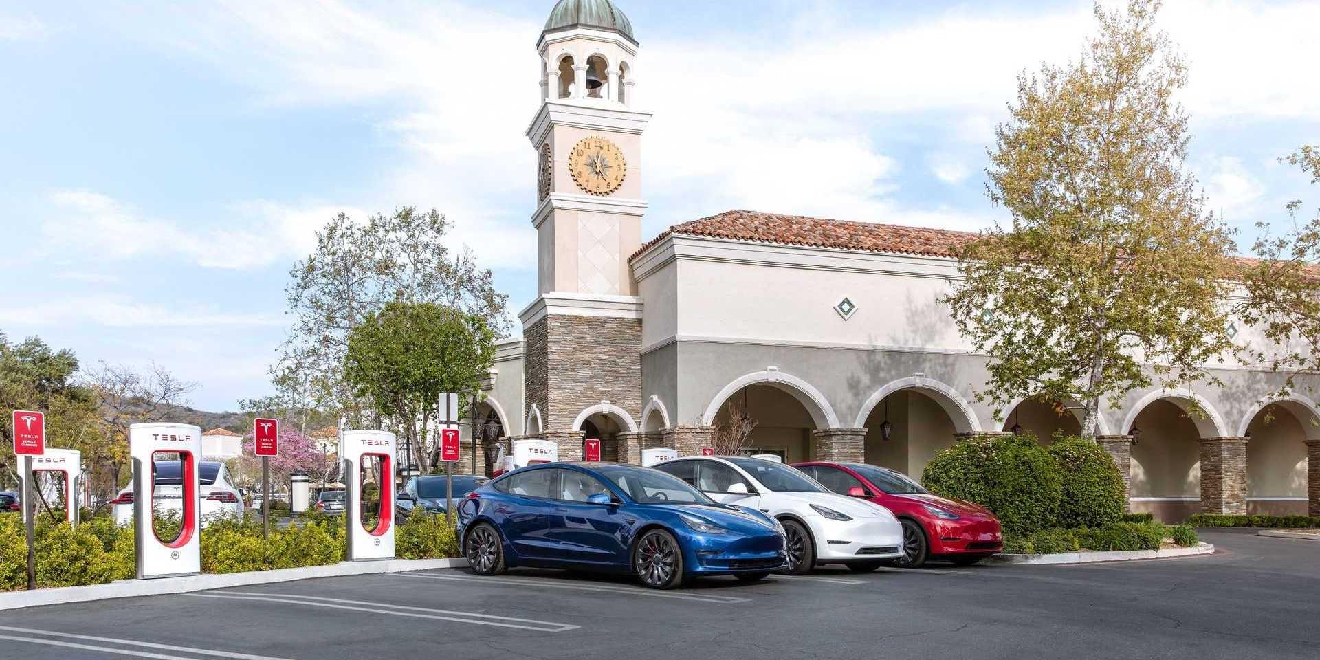 充電站共享!Tesla超充將開放給其他品牌車主!