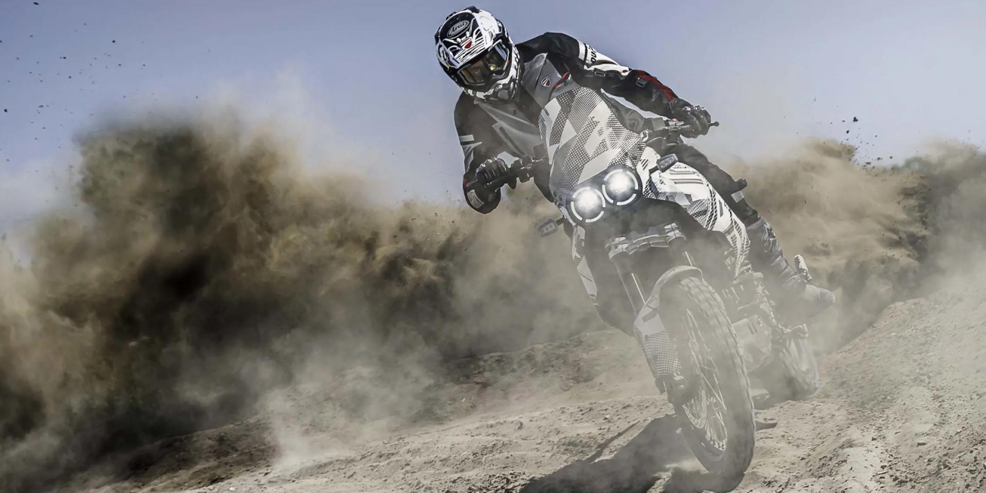 不會壞又能飛坡、噴土。Ducati Desert X Adventure 預告年底發表!