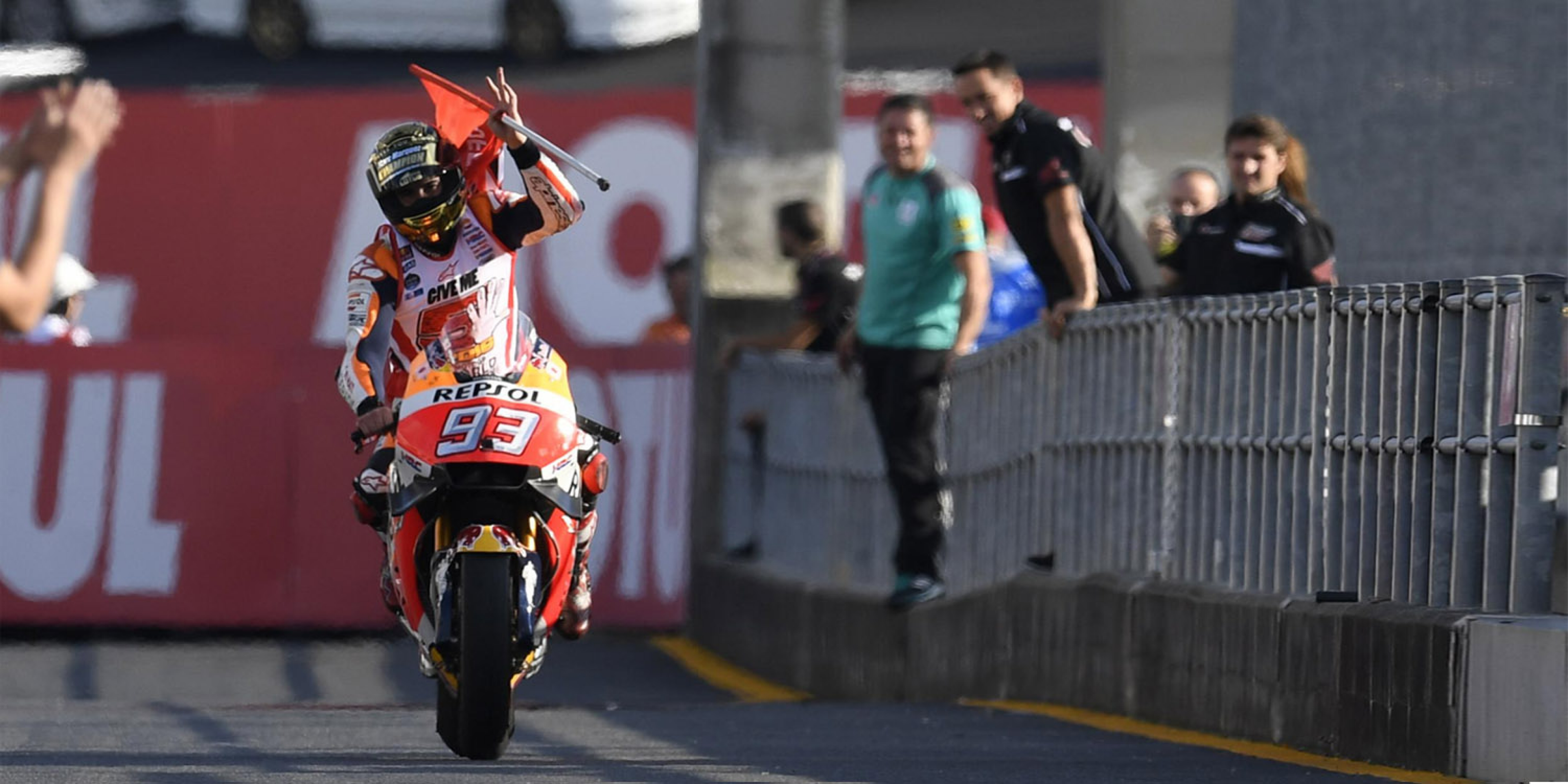 日本站提前封王。Marc Marquez:2015的挫敗成就今日的榮耀