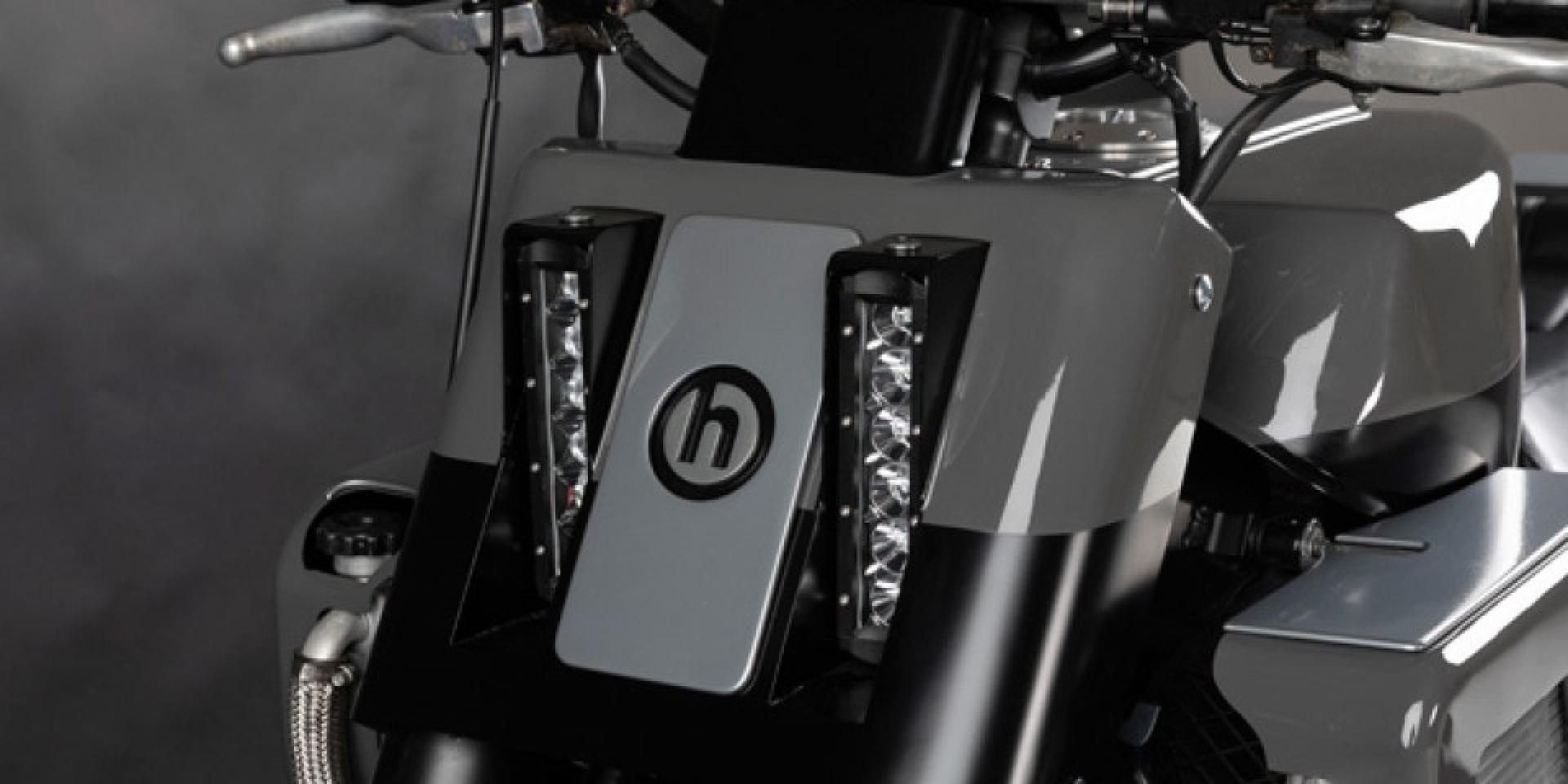 褪衣飛翔的女武神。Honda Valkyrie by H Garage