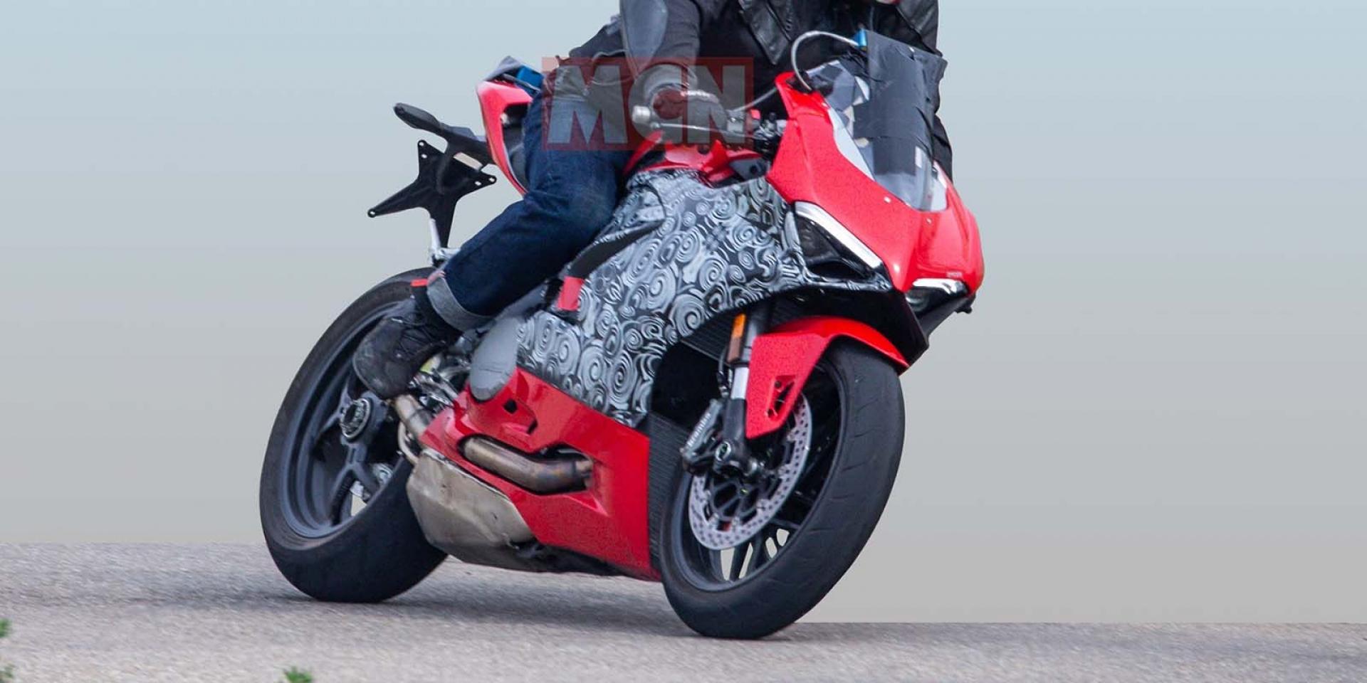 L-twin仿賽即將更新!Ducati 959 Panigale測試車海外捕獲