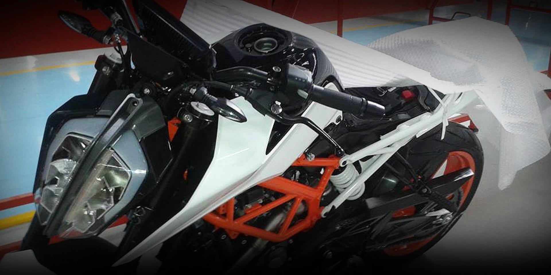 廠照外流。2017 KTM 390 DUKE 實車曝光