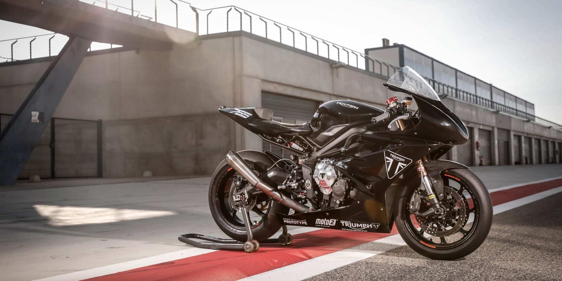 三缸引擎新紀元,Triumph Moto2 Prototype銀石賽道測試!