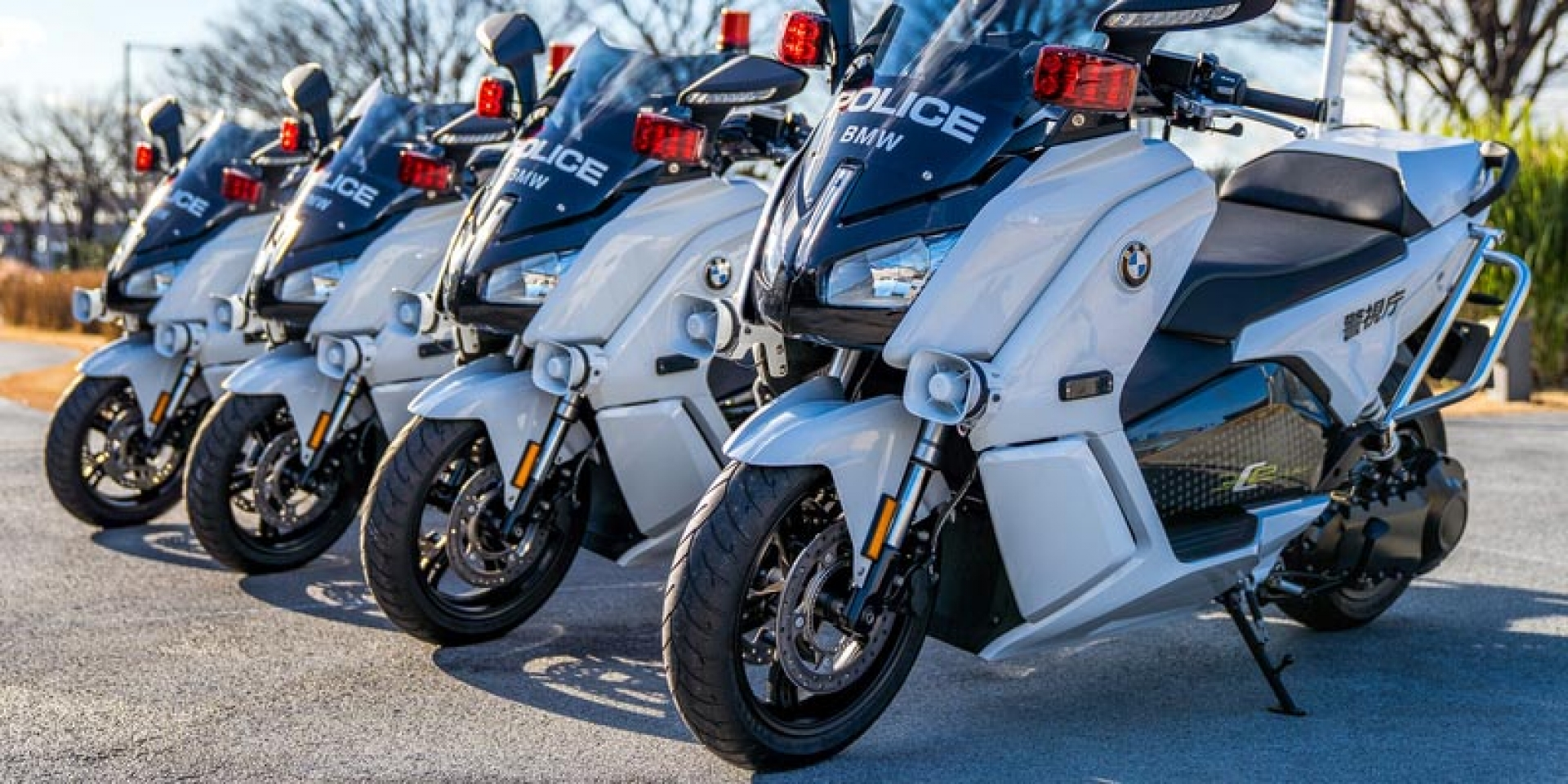 白摩托車新成員。BMW C evolution成為日本警察新座駕