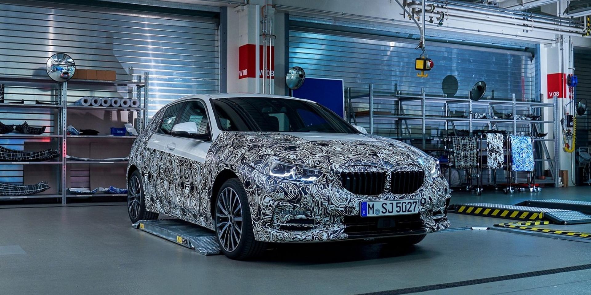 BMW全新大改款1系列「局部」亮相 車迷充滿期待
