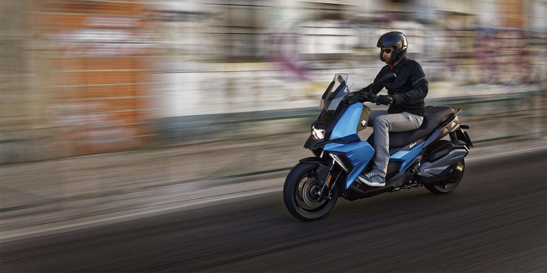 跨界黃牌新勢力。BMW C400X外媒試駕分享