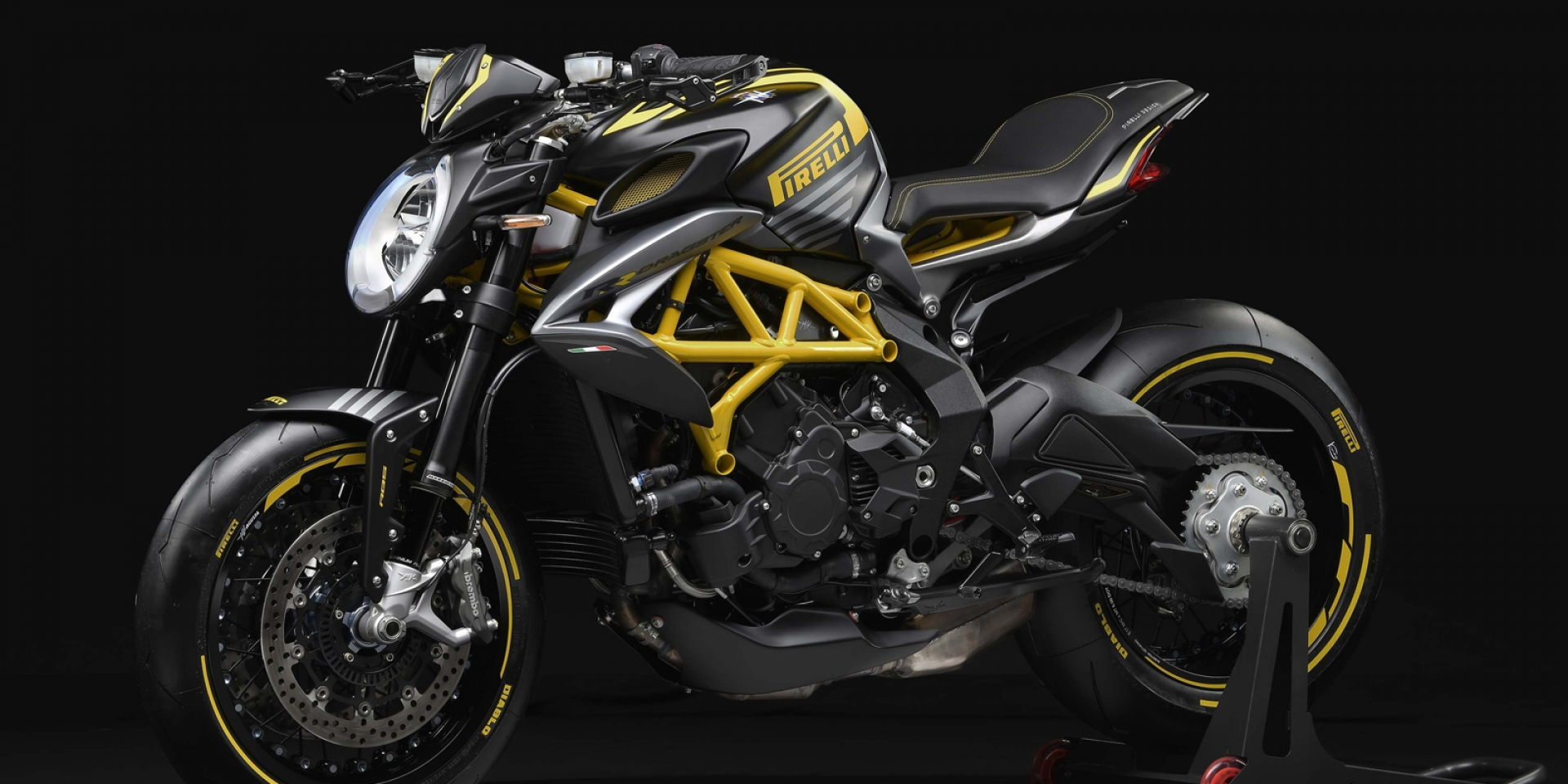 聯名限量款又來啦!MV Agusta Dragster 800 RR Pirelli限量登場