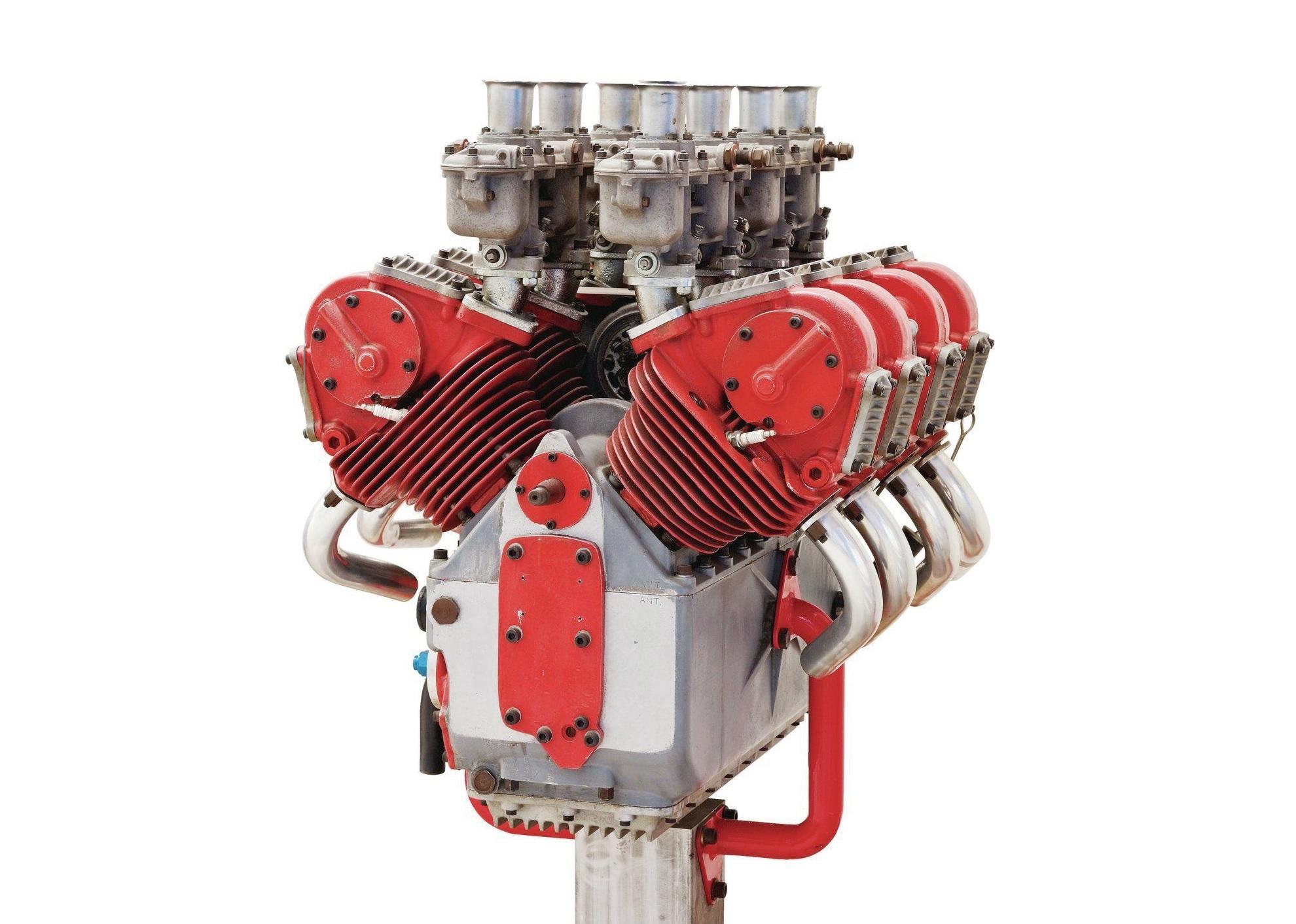DUCATI 在1950年代製造的V型八汽缸原型引擎,是為OSCA 車廠而設計,這間公司當時隸屬在MASERATI 旗下