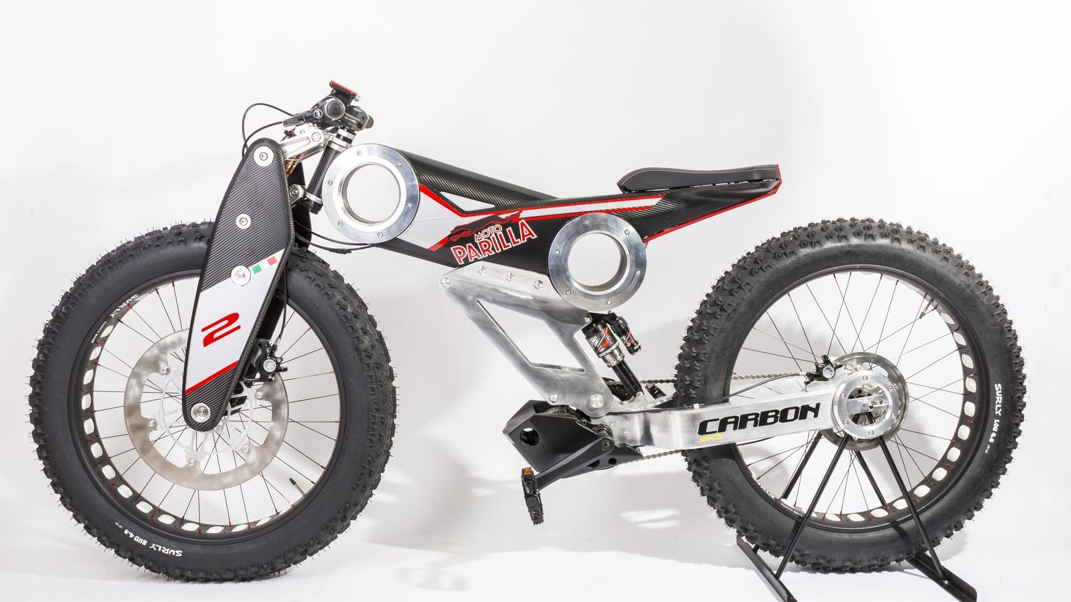 越野重裝上身。moto Parilla Carbon Suv Supermoto8