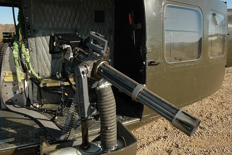 以往用於戰場上裝在甲車與直升機上的Dillon Aero M134D高速機槍