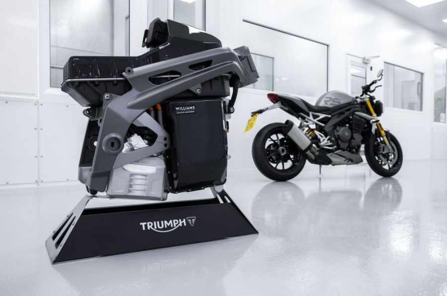 TRIUMPH本次也展示了TE-1的馬達、電池核心組件