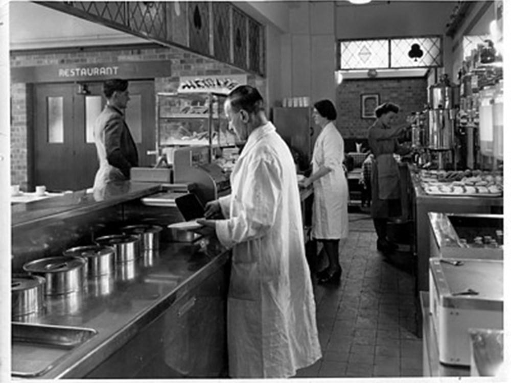 改建之後的Ace Café廚房